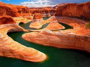 Grand Kanyon felülről fotózva ,gyönyörű kilátással